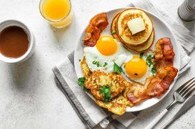 Come integrare le proteine a colazione e cosa mangiare